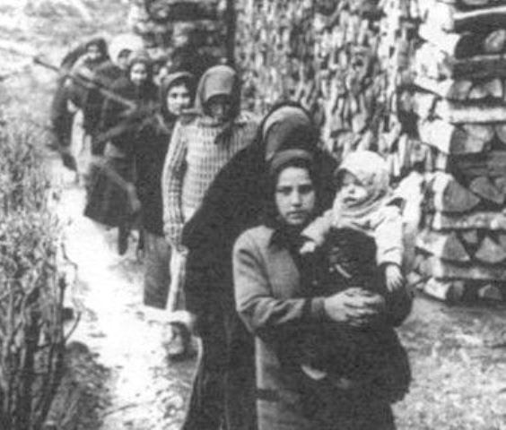 ... αφού η ομάδα αυτή των γυναικών της ομώνυμης ουγγρικής κωμόπολης  δολοφόνησε με δηλητήριο περίπου 300 άτομα από το 1914 μέχρι το 1929 ! 4923f54de49