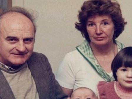 4c3375b6bbb6 Έμαθε ότι ο άντρας της ήταν κατάσκοπος μετά από 70 χρόνια γάμου